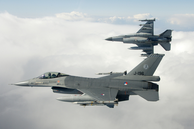 2 F-16s in the air.
