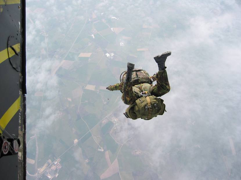 Soldiers of the Commando Corps are trained to execute various types of parachute jumps.