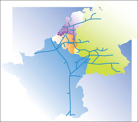 Map of the Western European pipeline network. More information on the page Pipeline network, topic Defence pipelines.